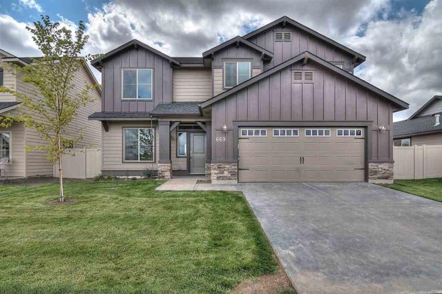624 N Falling Water Way, Eagle, ID 83616 (MLS #98677869) :: Front Porch Properties