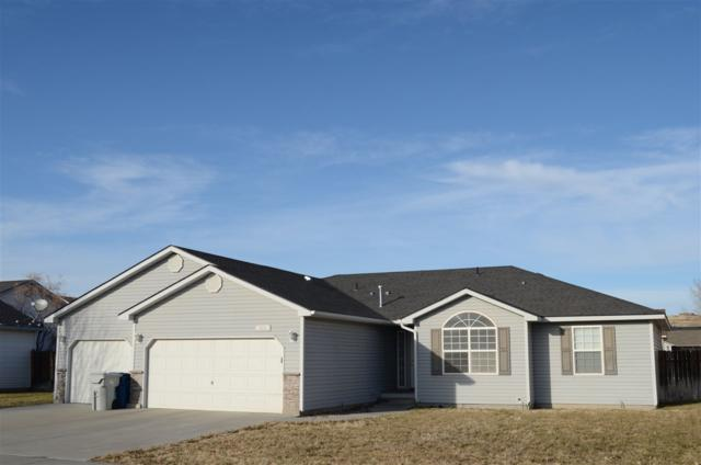 122 NE Victor Gust Dr, Mountain Home, ID 83647 (MLS #98679414) :: Boise River Realty