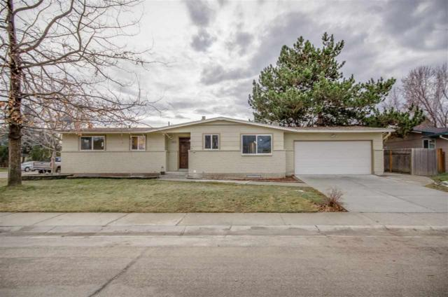 8395 W Valley View Dr, Boise, ID 83704 (MLS #98680102) :: Zuber Group