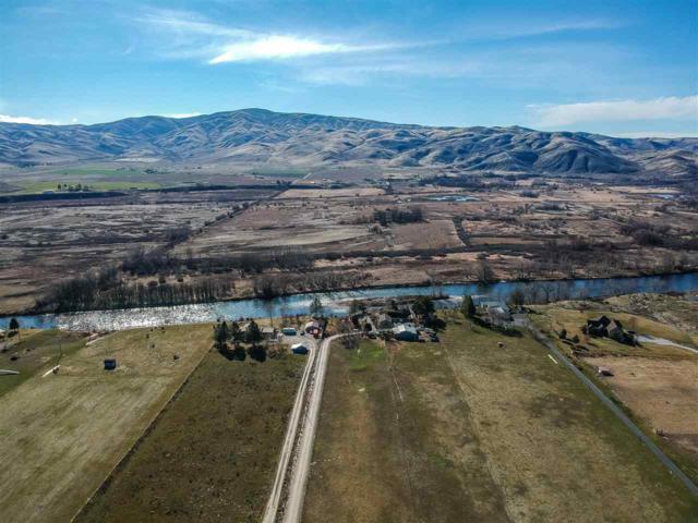 9701 N Highway 52, Emmett, ID 83629 (MLS #98682383) :: Build Idaho