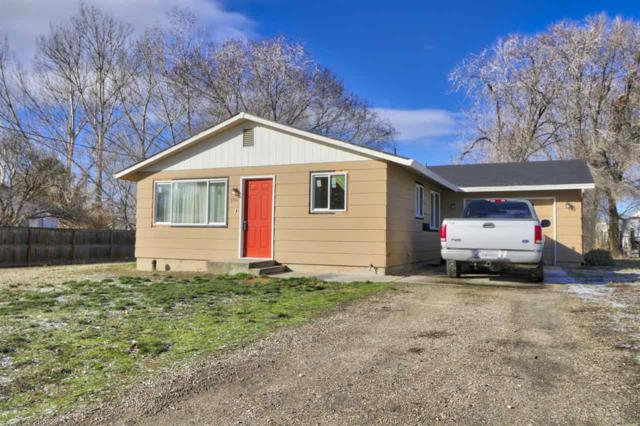 185 S Ash, Kuna, ID 83634 (MLS #98682618) :: Build Idaho