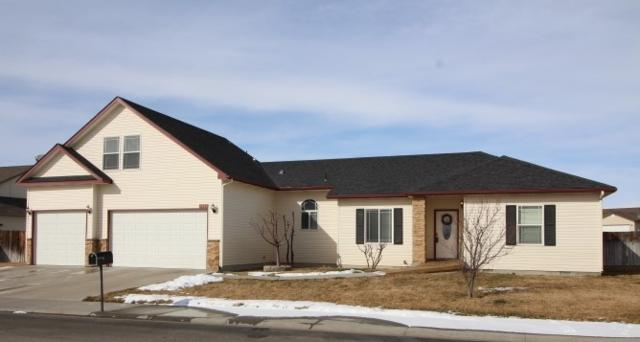 1642 NE Bedrock, Mountain Home, ID 83647 (MLS #98683554) :: Boise River Realty