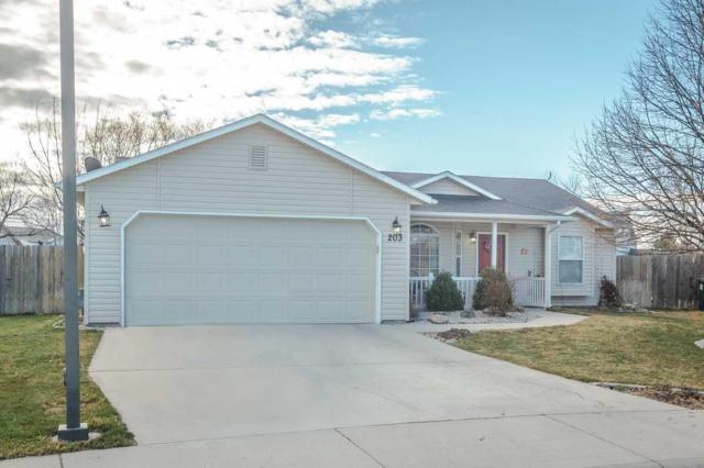 203 E Hawksnest, Kuna, ID 83634 (MLS #98684086) :: Jeremy Orton Real Estate Group