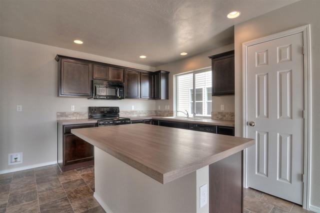 1038 S Rumney Ave, Kuna, ID 83634 (MLS #98686109) :: Broker Ben & Co.