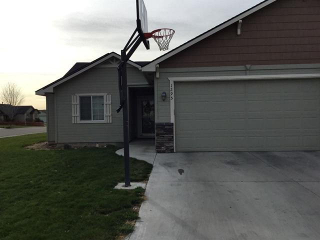 1295 NE Dusty Ct, Mountain Home, ID 83647 (MLS #98687543) :: Team One Group Real Estate