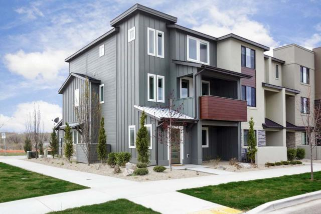 3893 E Parkcenter, Boise, ID 83716 (MLS #98687671) :: Givens Group Real Estate