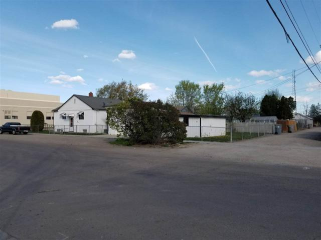 1102 Denver St, Caldwell, ID 83605 (MLS #98689529) :: Synergy Real Estate Services at Idaho Real Estate Associates