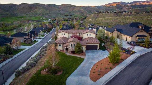 2326 W Winter Camp Dr, Boise, ID 83703 (MLS #98689541) :: Givens Group Real Estate
