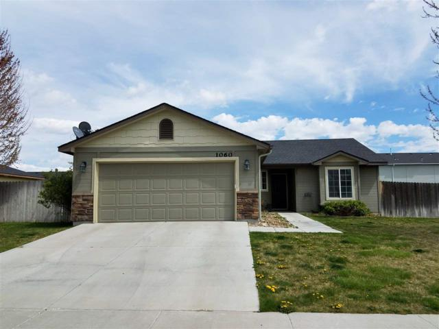1060 SW Independence Avenue, Mountain Home, ID 83647 (MLS #98689628) :: Michael Ryan Real Estate