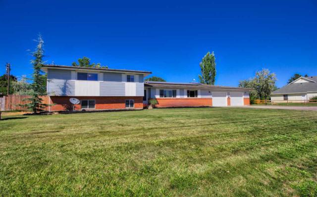 122 Crestview Drive, Nampa, ID 83686 (MLS #98689662) :: Jon Gosche Real Estate, LLC