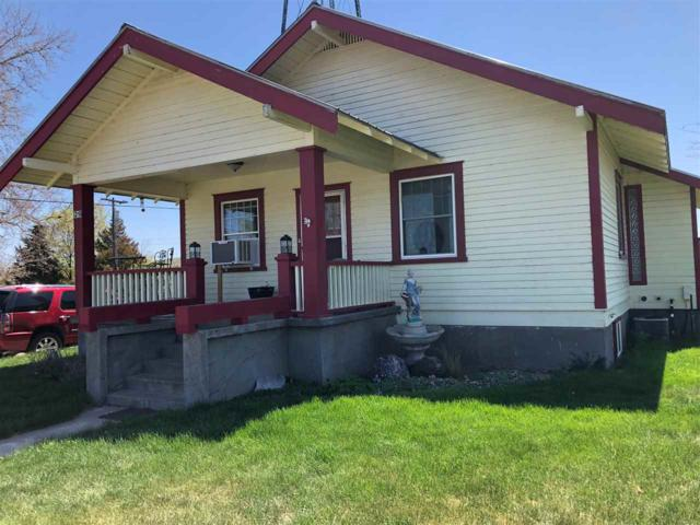 29 W Snake River, Glenns Ferry, ID 83623 (MLS #98689832) :: Givens Group Real Estate