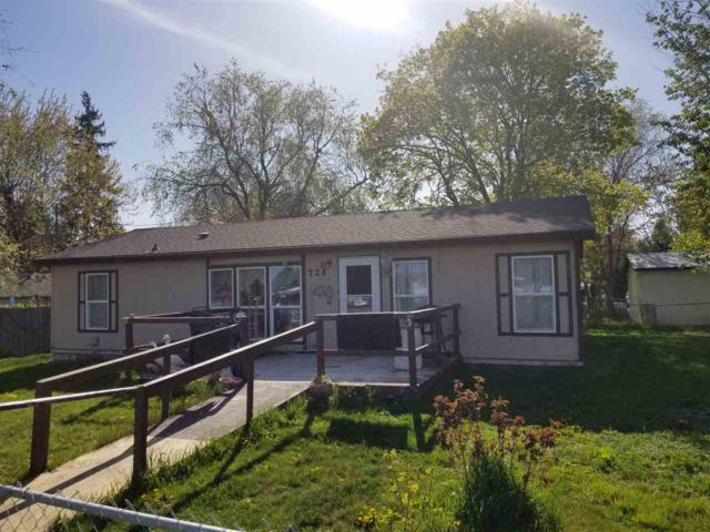721 N. Franklin Ave, Kuna, ID 83634 (MLS #98689877) :: Zuber Group