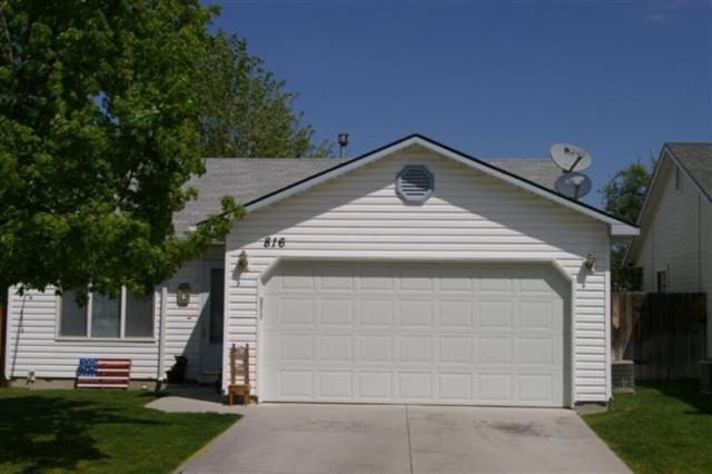 816 E Cottage Ave., Nampa, ID 83686 (MLS #98690613) :: Jon Gosche Real Estate, LLC