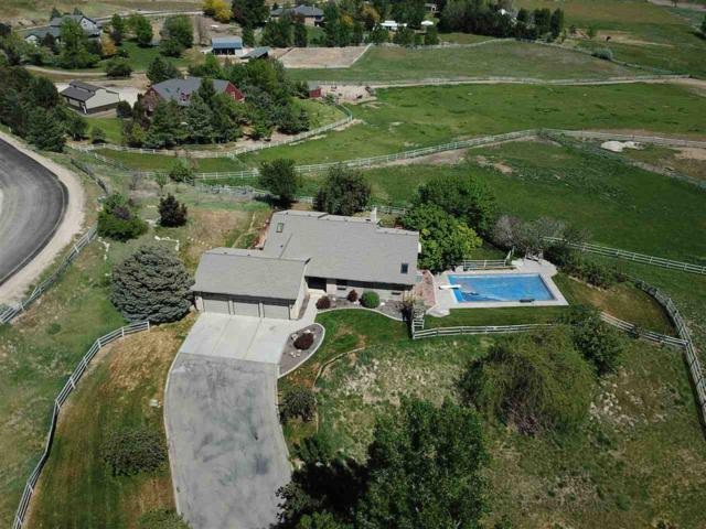 4900 N Meander Place, Eagle, ID 83616 (MLS #98692085) :: Juniper Realty Group