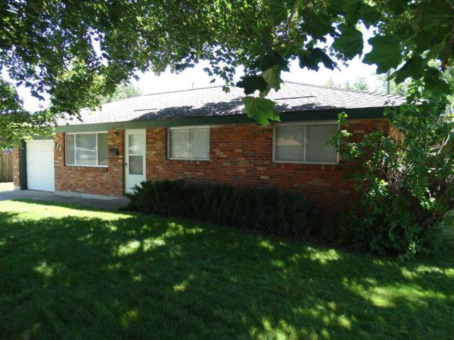 975 E 16th N, Mountain Home, ID 83647 (MLS #98696115) :: JP Realty Group at Keller Williams Realty Boise