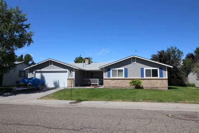1877 Stonetree Dr, Mountain Home, ID 83647 (MLS #98696611) :: Jon Gosche Real Estate, LLC