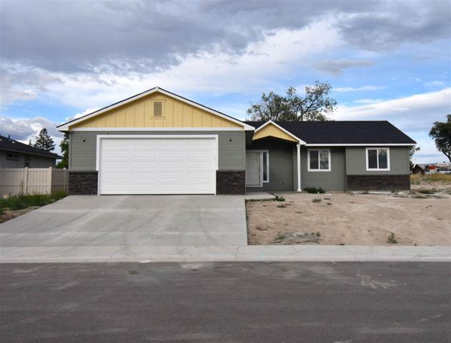 744 N Summit Place, Payette, ID 83661 (MLS #98696653) :: Zuber Group