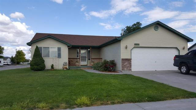 1402 SW Christopher, Mountain Home, ID 83647 (MLS #98696877) :: Boise River Realty