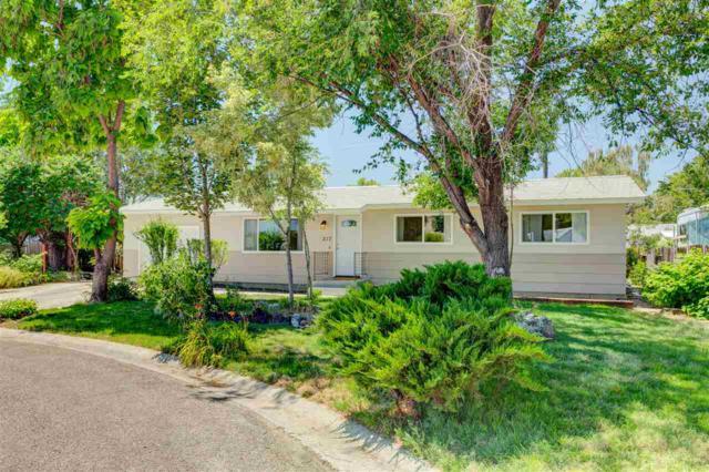 217 Sunny Ln, Emmett, ID 83617 (MLS #98699572) :: Boise River Realty