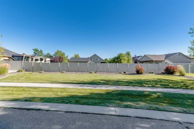 2211 W Moose Creek Dr, Nampa, ID 83686 (MLS #98699603) :: Juniper Realty Group