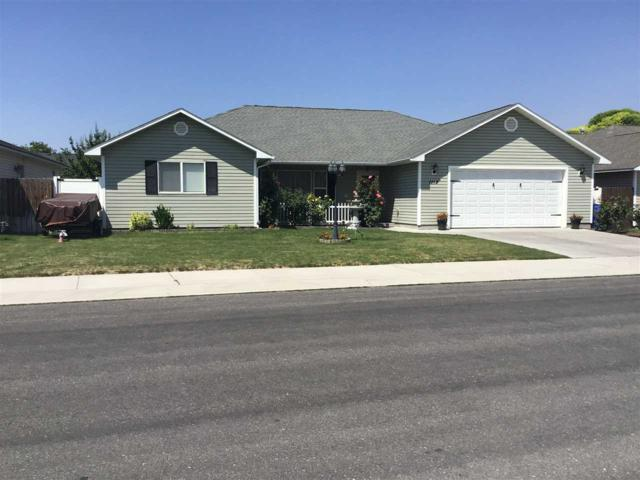 1118 Cortes Loop, Twin Falls, ID 83301 (MLS #98701597) :: Team One Group Real Estate