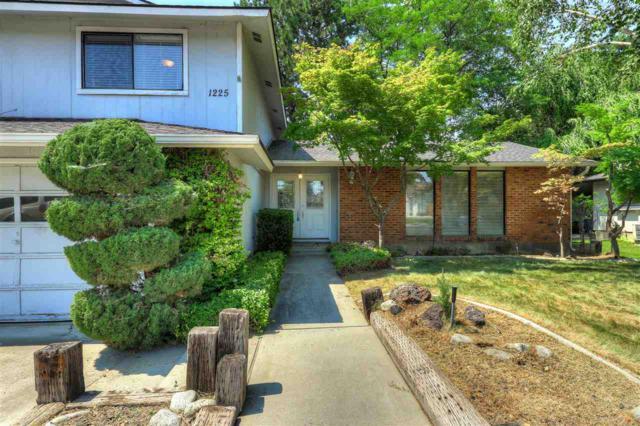 1225 N Pebble Beach, Eagle, ID 83616 (MLS #98701615) :: Team One Group Real Estate
