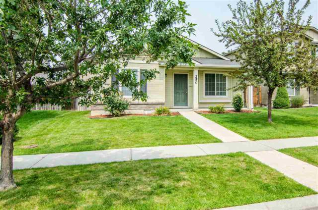250 W. White Sands Dr., Meridian, ID 83646 (MLS #98702177) :: Zuber Group