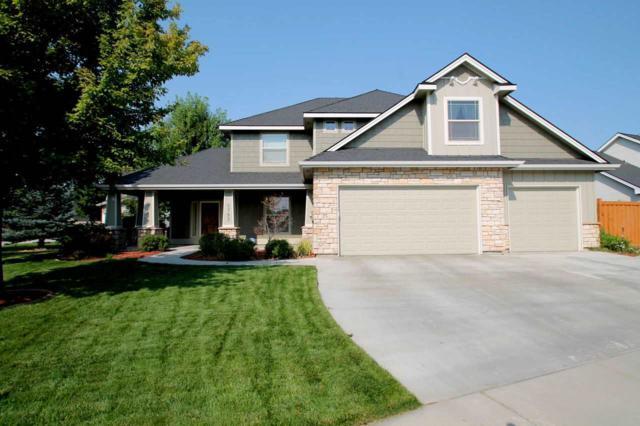 5793 N Teekem Falls Way, Meridian, ID 83646 (MLS #98702581) :: Build Idaho