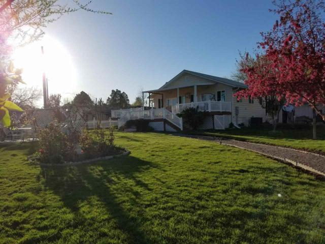633 E Garfield, Glenns Ferry, ID 83623 (MLS #98702958) :: Juniper Realty Group