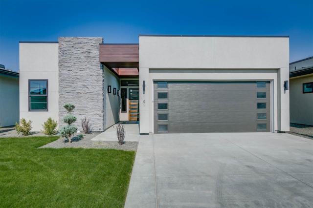 1141 S Renovare Lane, Eagle, ID 83714 (MLS #98703338) :: Jon Gosche Real Estate, LLC