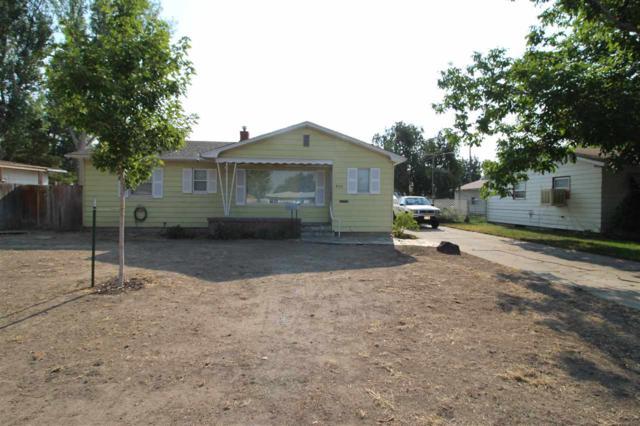 860 N 9th East, Mountain Home, ID 83647 (MLS #98703532) :: Full Sail Real Estate