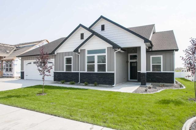 424 Poppy Street, Fruitland, ID 83619 (MLS #98703819) :: New View Team