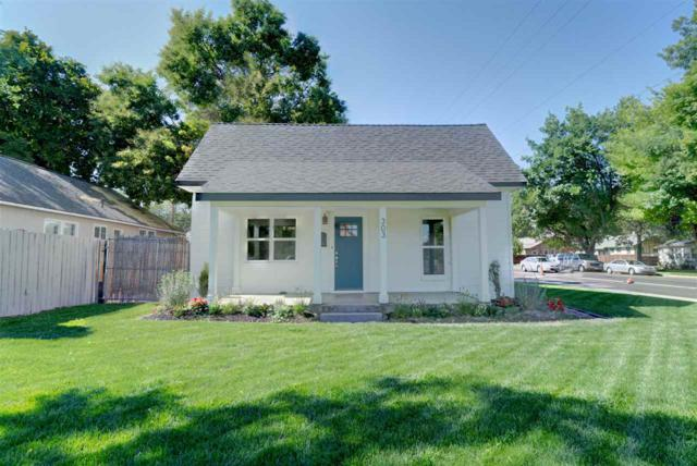303 16th Avenue South, Nampa, ID 83651 (MLS #98705032) :: Team One Group Real Estate