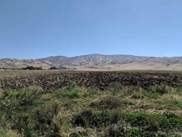 TBD E Gatfield Rd, Emmett, ID 83617 (MLS #98706944) :: Build Idaho