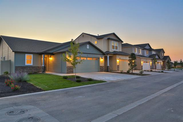 2193 S Hills Ave, Meridian, ID 83642 (MLS #98707095) :: Broker Ben & Co.