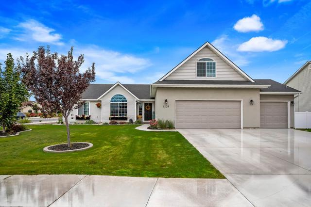 1209 15th Ave E, Jerome, ID 83338 (MLS #98707133) :: Zuber Group