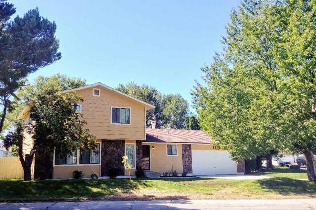 1135 S Haskett, Mountain Home, ID 83647 (MLS #98707424) :: Juniper Realty Group