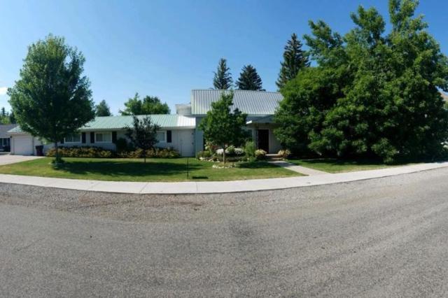 217 Cedar St, Bellevue, ID 83313 (MLS #98709436) :: Zuber Group