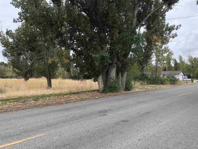 1405 N Plaza Road, Emmett, ID 83617 (MLS #98709633) :: Full Sail Real Estate