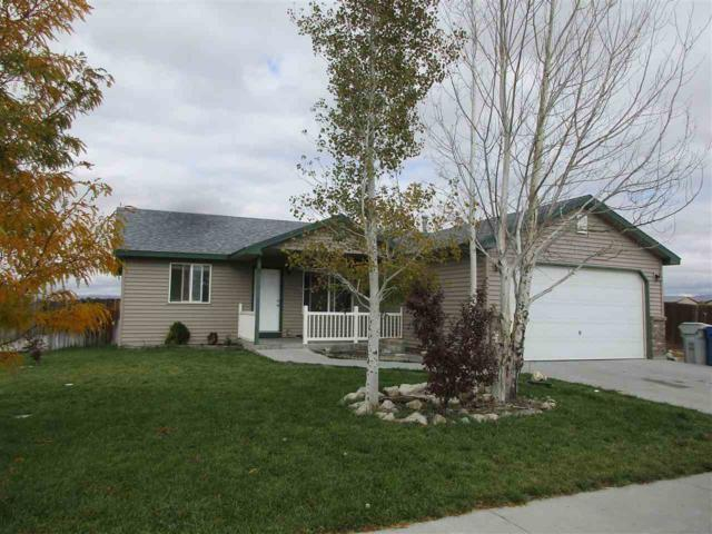 1230 NE Saddleridge, Mountain Home, ID 83647 (MLS #98709639) :: Zuber Group