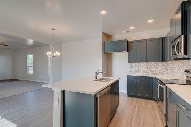 752 S Boardwalk Row, Meridian, ID 83642 (MLS #98710001) :: Build Idaho