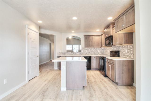 11830 W Box Canyon St., Star, ID 83669 (MLS #98710192) :: Build Idaho