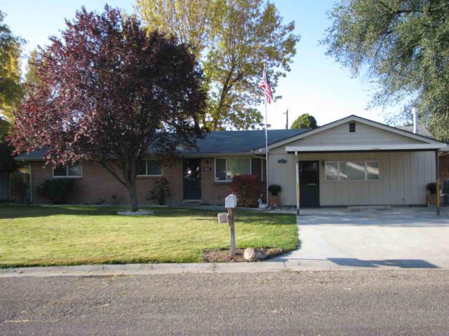 911 Briarwood Dr, Nampa, ID 83651 (MLS #98710408) :: Boise River Realty