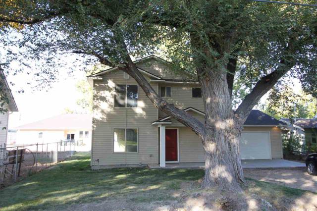 405 Randolph, Melba, ID 83641 (MLS #98710502) :: Jon Gosche Real Estate, LLC