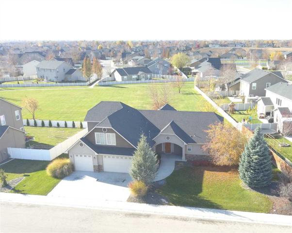 4453 N Portage, Meridian, ID 83646 (MLS #98711999) :: Full Sail Real Estate