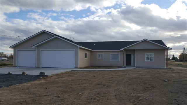 225 Mountain View Drive E., Jerome, ID 83338 (MLS #98712334) :: Full Sail Real Estate