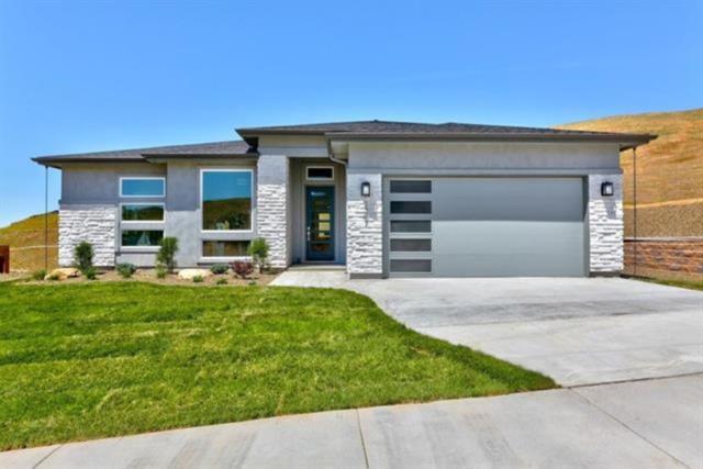 9473 Suttle Lake Drive, Boise, ID 83714 (MLS #98712352) :: Full Sail Real Estate