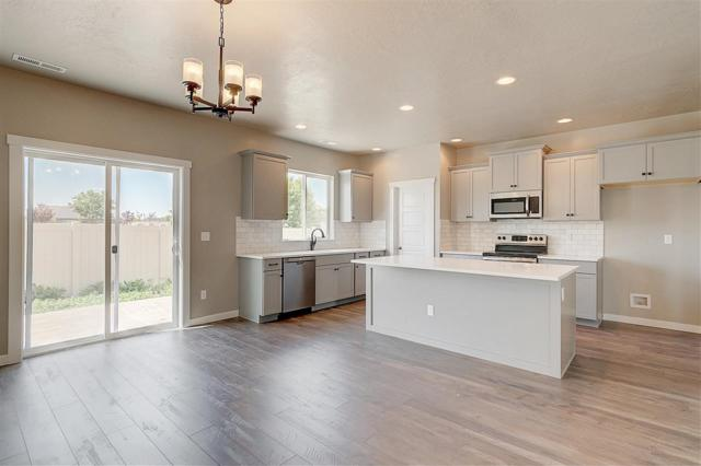 3410 S Glacier Bay Ave, Meridian, ID 83642 (MLS #98712398) :: Build Idaho