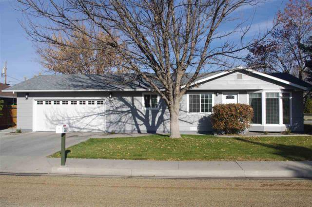 302 Woodlawn Dr, Caldwell, ID 83605 (MLS #98712497) :: Full Sail Real Estate