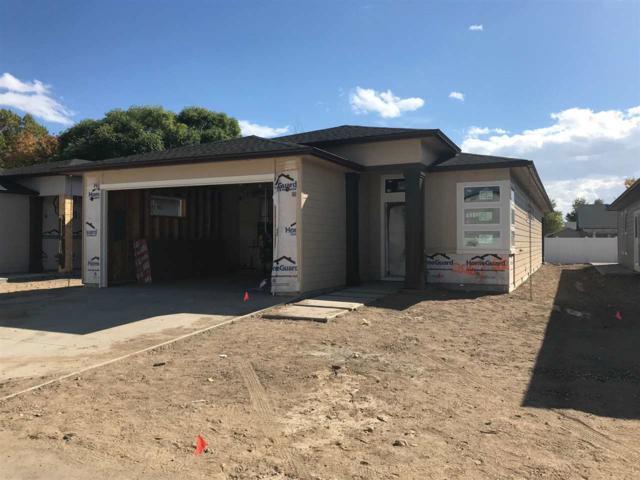 2067 E Oakcrest Drive, Meridian, ID 83646 (MLS #98712796) :: Jackie Rudolph Real Estate